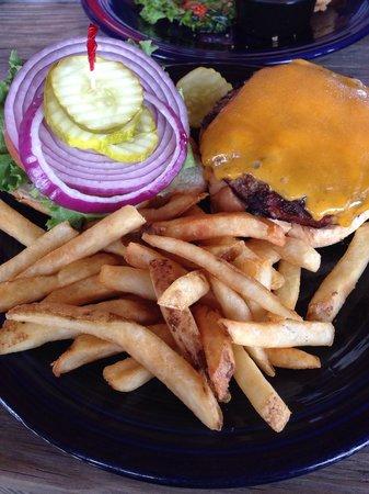 Harbor Shack : 1/2 pound burgers, yuuummmm!
