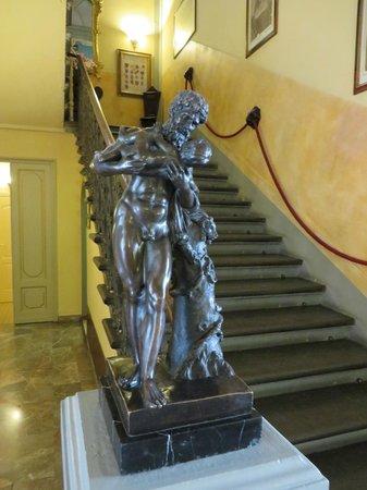 Hotel Villa Liana : Escalier
