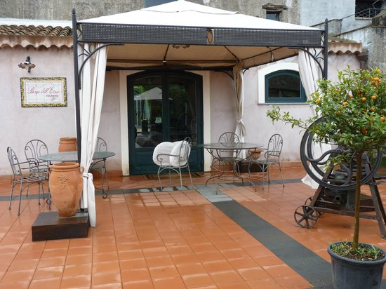 Etna Hotel: terrasse du restaurant de  l'hôtel