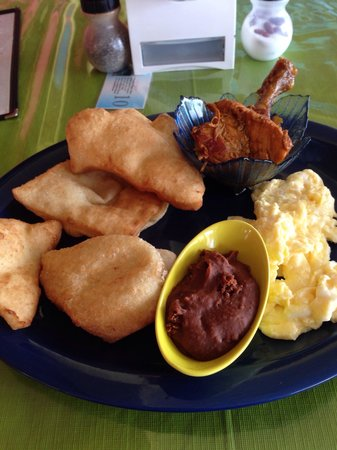 Paradise Vacation Hotel: Belizean Breakfast with fried jacks $15bze dollars