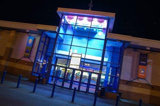 AMF Bowling Washington: The Entrance
