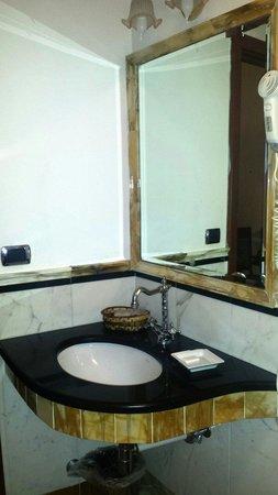Domus Florentiae Hotel: Il bagno