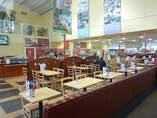 Hetland Garden Centre: Middle of the Tea Room