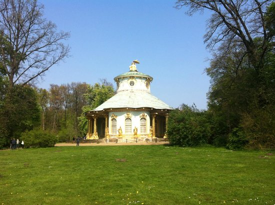 Fat Tire Tours Berlin: The Chinese Tea House - Prussian style