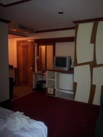 Bavana Hotel : kein Zimmer ein loch mit Bett