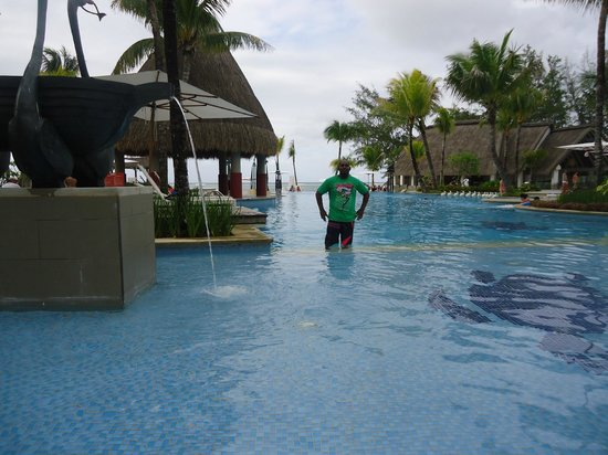 Ambre Resort: In the pool