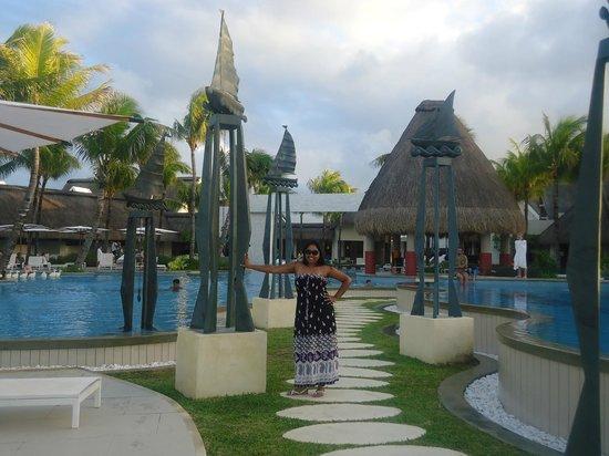 Ambre Mauritius: Beautiful poolside