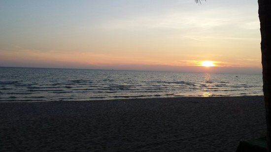 KC Grande Resort & Spa: Koh chang sunset from hotel