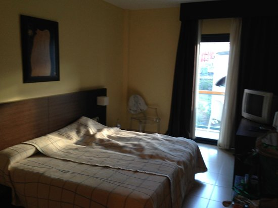 Hotel Benahoare: Big room