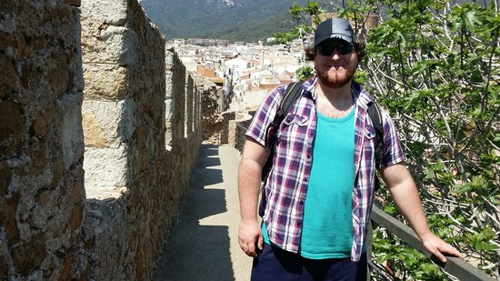 Castillo de Tossa de Mar: Jon on the battlements