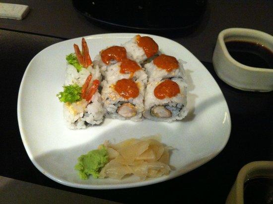 shizen japanese & oriental cuisine: Roll con salsa chili