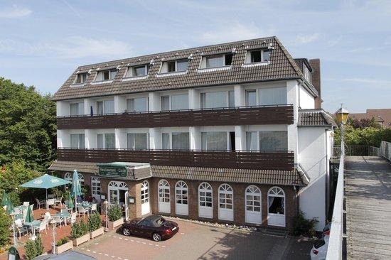 Strandhotel Hohenzollern: Unsere renovierte Außenfassade