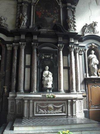 Iglesia de Nuestra Señora (Onze Lieve Vrouwekerk): Правый предел собора