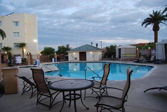 Eureka Casino Resort: Pool
