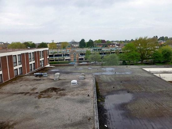 Crowne Plaza Stratford-Upon-Avon: View of roofscape and road beyond