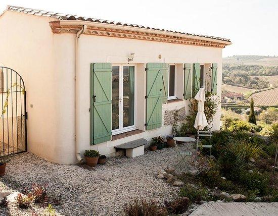 La Cortanela: Your own front door