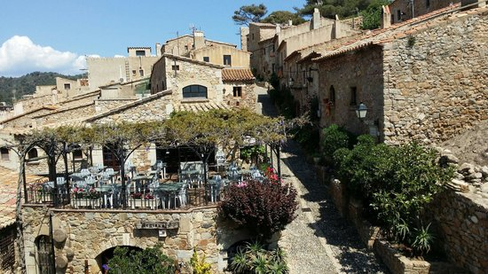 Vila Vella (Old Town): Restaurant in the old town