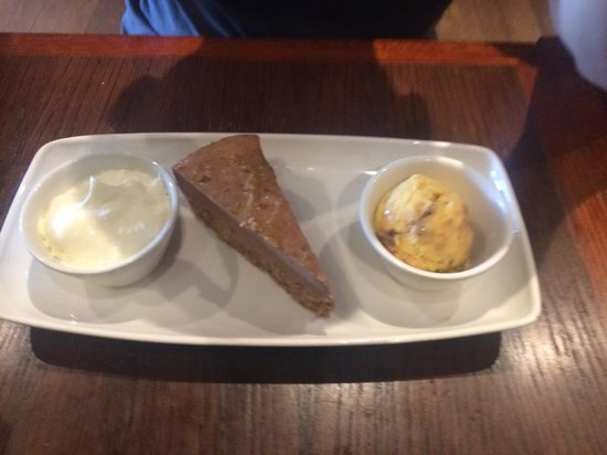 Coast to Coast: Peanut butter cheesecake with honeycomb ice cream and cream. Recommend