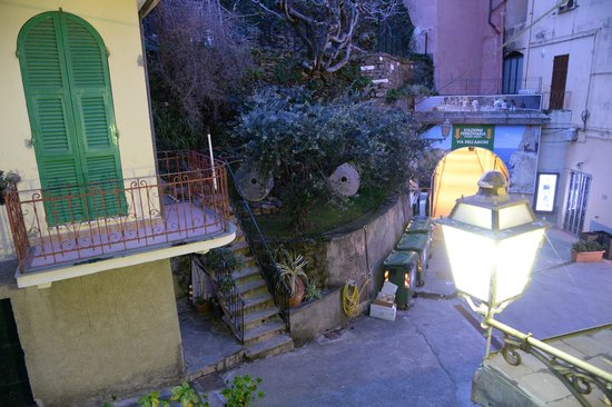 Affittacamere San Giorgio : view from window, just the end of tunnel