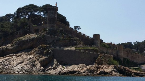 Vila Vella (Old Town): The old town from the sea