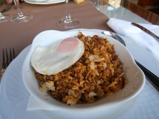 Hotel Restaurante Pradas Ordesa : Migas a la pastora