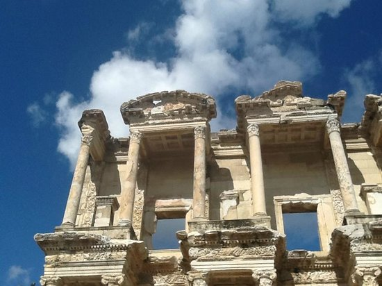 Katakolon Express: Terrace Houses is located in the ancient city of Ephesus