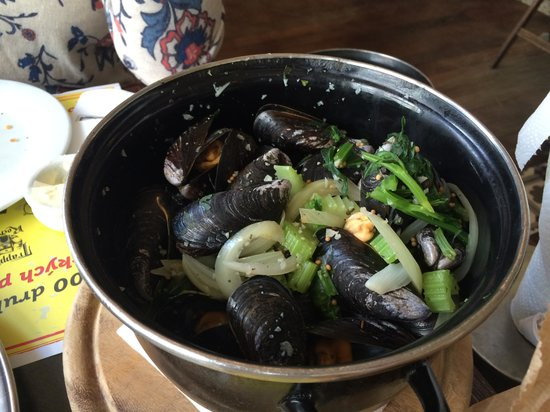 Les Moules: the mussels