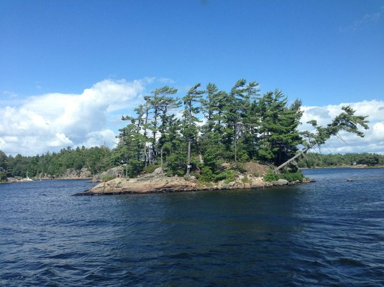 Miss Midland  Boat Cruises: Island