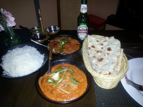 Vedas Indian Restaurant (Changshu Road) : curry, naan and beer