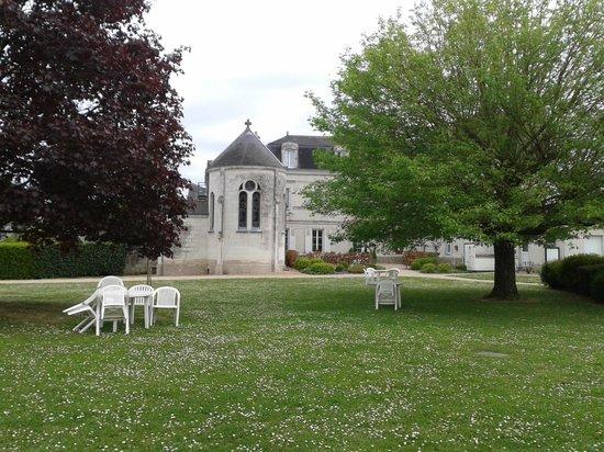 Logis Domaine de la Blairie: Côté jardin
