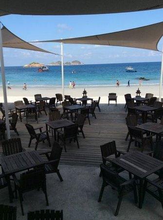 Laguna Redang Island Resort : white sandy beach laguna