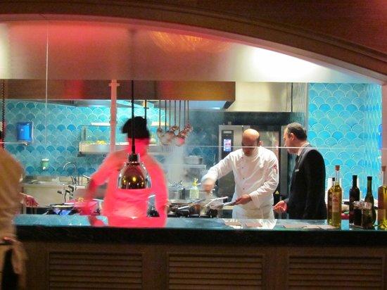 Titanic Business Bayrampasa: Cozinha