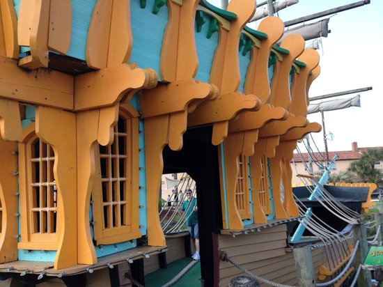 Fiesta Falls Miniature Golf: One of the holes is played inside a ship!