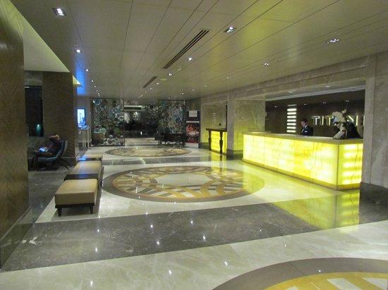 Titanic Business Bayrampaşa: Recepção do Hotel
