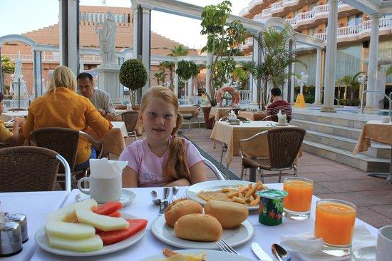 Cleopatra Palace Hotel: Завтрак.