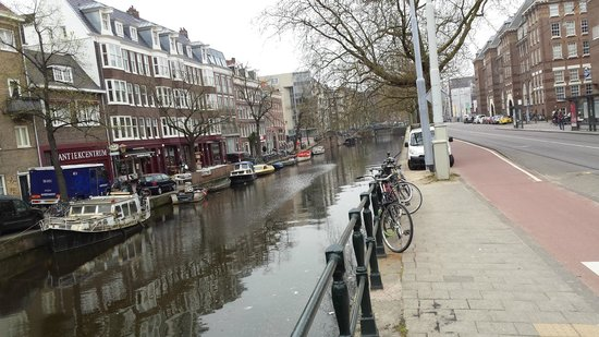 InterContinental Amstel Amsterdam: Nearby Canal View