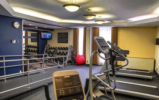 Hampton Inn Dallas North / I-35 East At Walnut Hill: Fitness Center