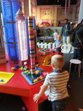 Legoland Discovery Centre, Manchester: Earthquake test