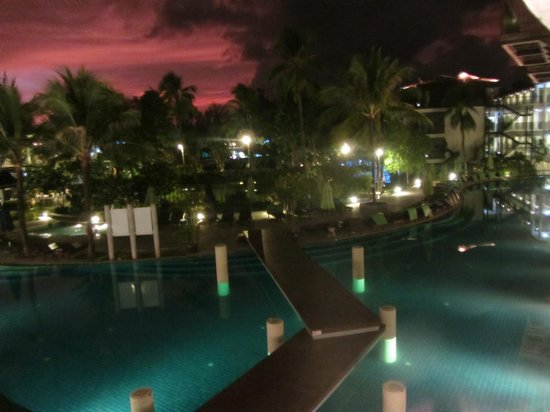 Holiday Inn Resort Krabi Ao Nang Beach : Vista do querto no por do sol