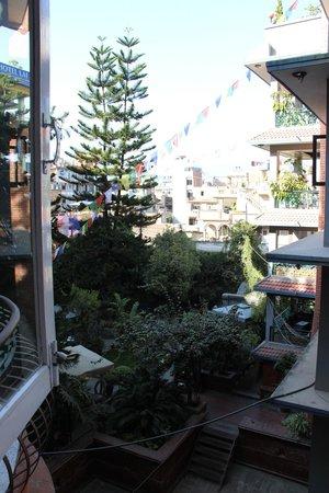 Hotel Ganesh Himal: vue de la chambre