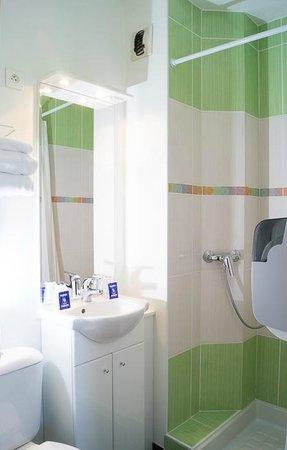 Fasthôtel Périgueux: Salle de bains rénovée