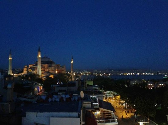 Ambassador Hotel: Roof terrace --> Aya Sofia