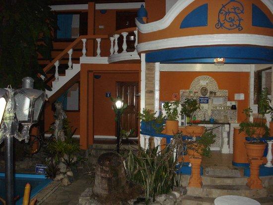 Arraial d'Ajuda Hostel : Jardim interno
