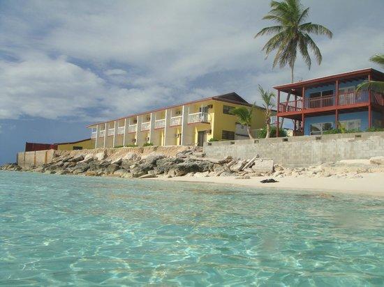 Riding Rock Inn Resort and Marina : Resort from water