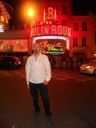 Moulin Rouge : non puoi andare a parigi senza andare al molin rouge
