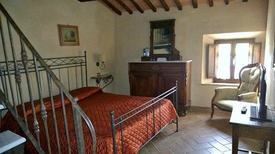 Il Piccolo Castello Hotel: Suite com vista para o jardim