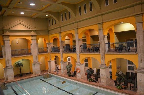 Rudas Baths : piscina