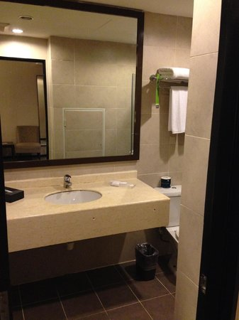Furama Bukit Bintang: Poor Bathroom