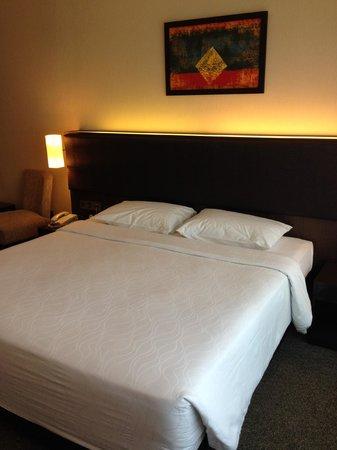 Furama Bukit Bintang : an uncomfortable bed