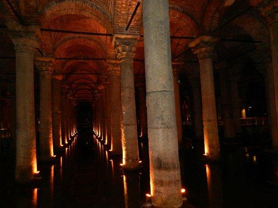 Citerne Basilique (Yerebatan Sarnıcı) : Cisterna Basílica